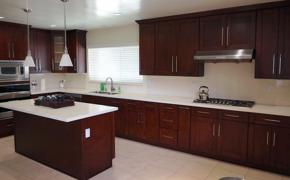 Cabinets prefab granite depot for Prefab kitchen cabinets